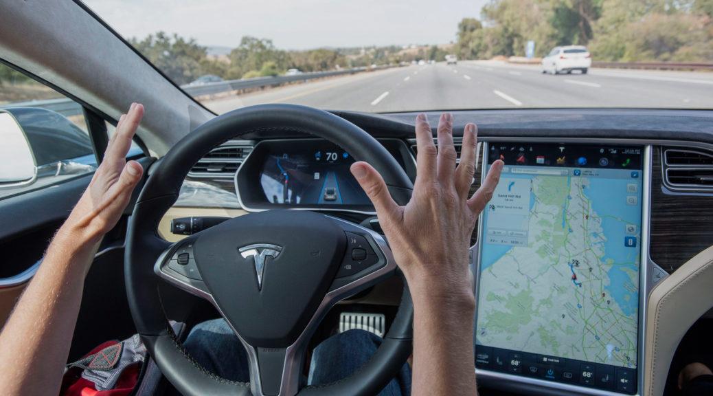 Tesla Model S autopilot hands-free