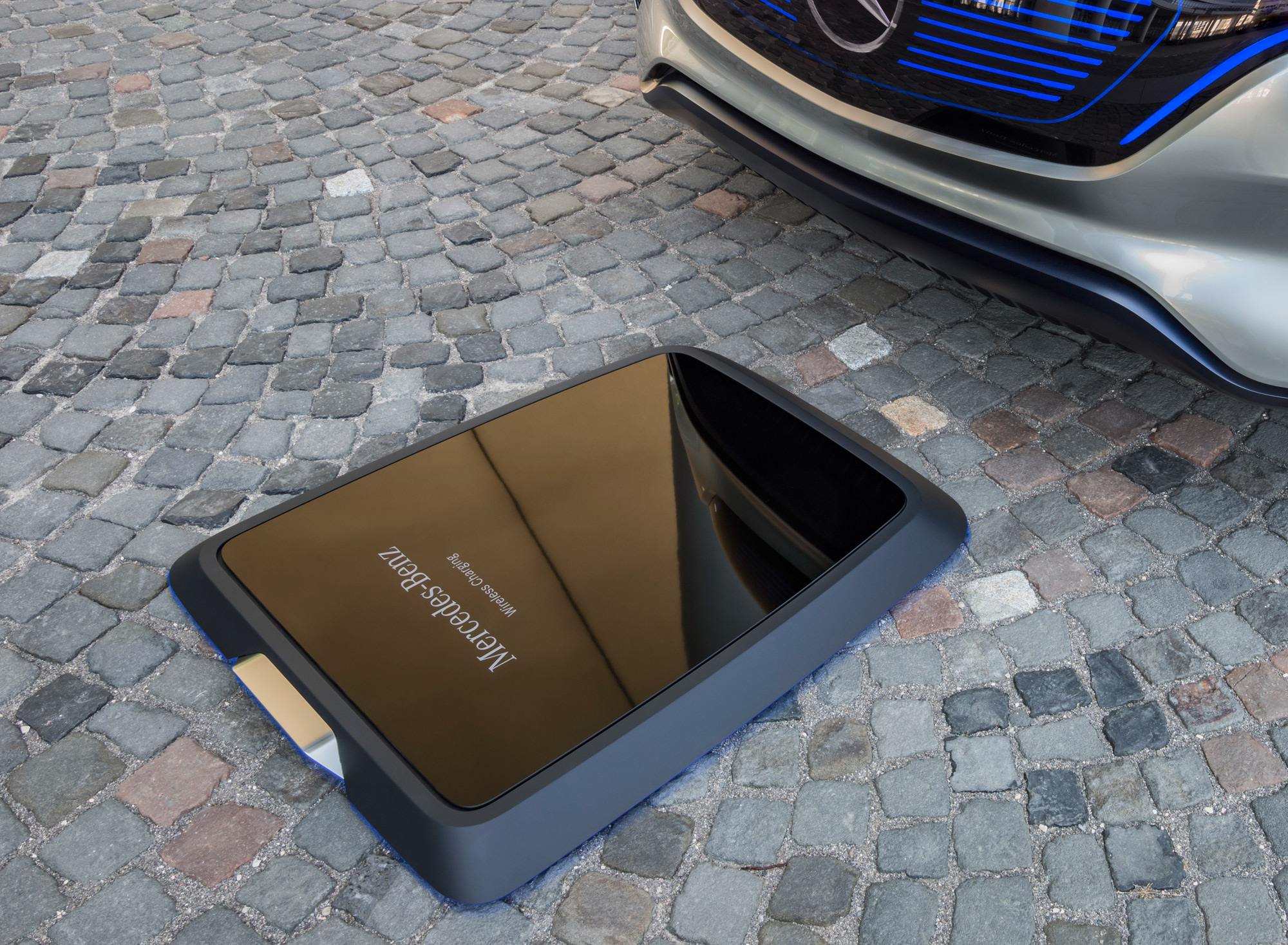 Mercedes-Benz Generation EQ wireless charging