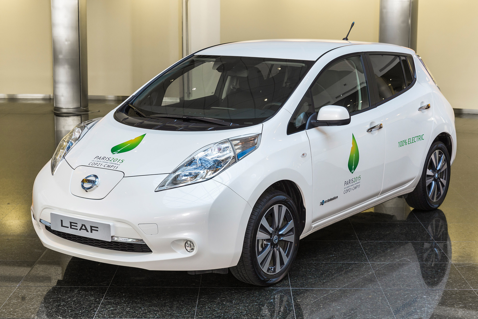 nissan leaf electric vehicle ev