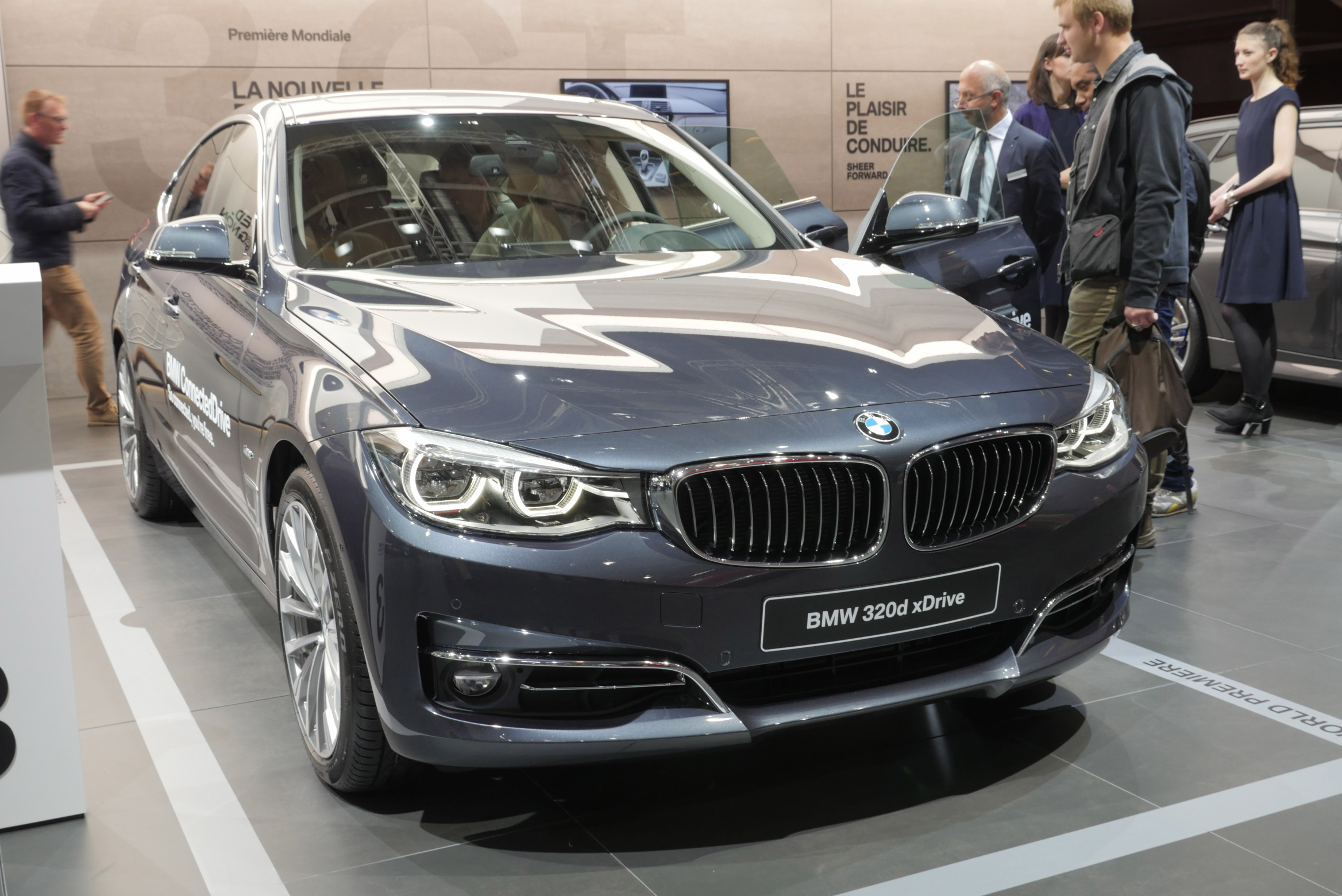 BMW 320d xDrive Paris Motor Show 2016