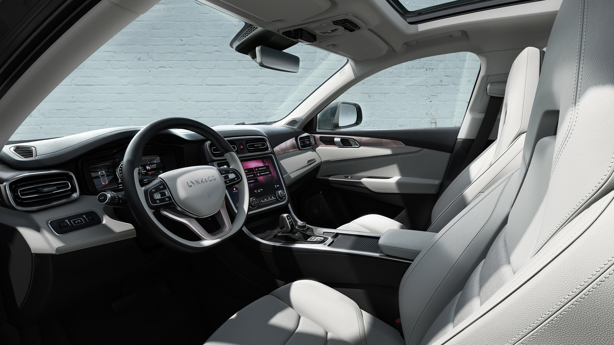 Lynk & Co 01 connected SUV interior