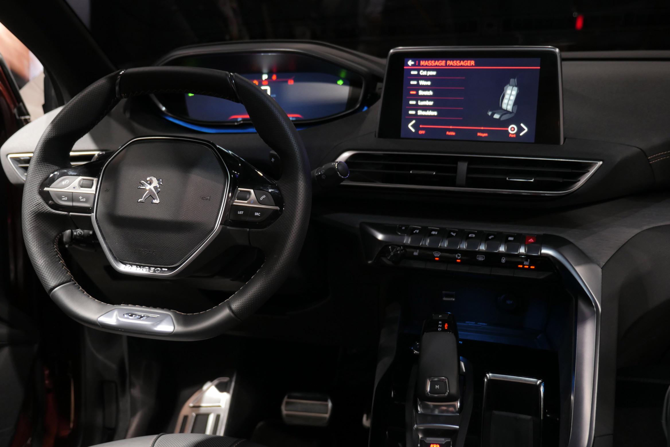 peugeot i cockpit hands on paris motor show 2016. Black Bedroom Furniture Sets. Home Design Ideas