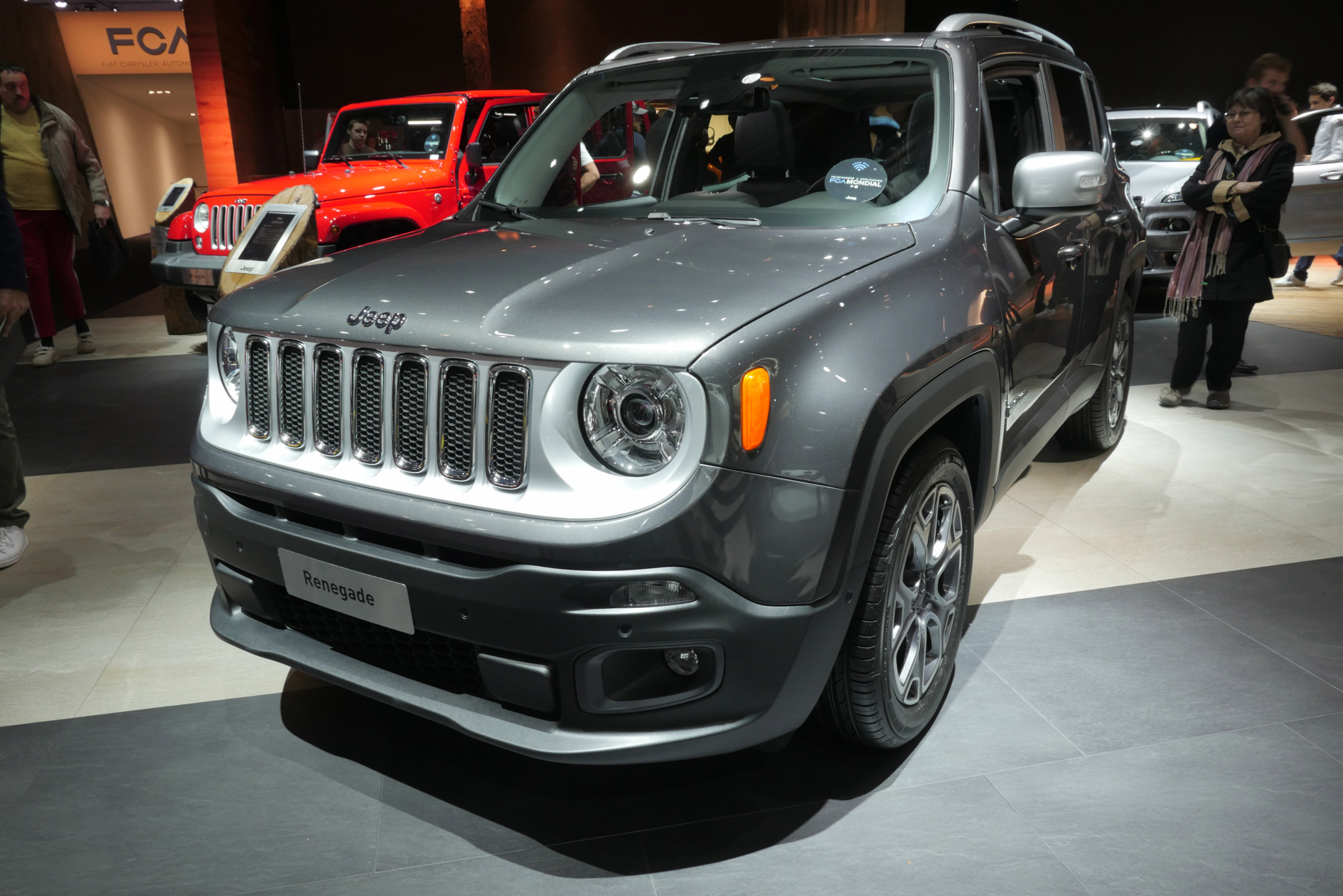 UConnect Jeep Renegade Paris Motor Show 2016