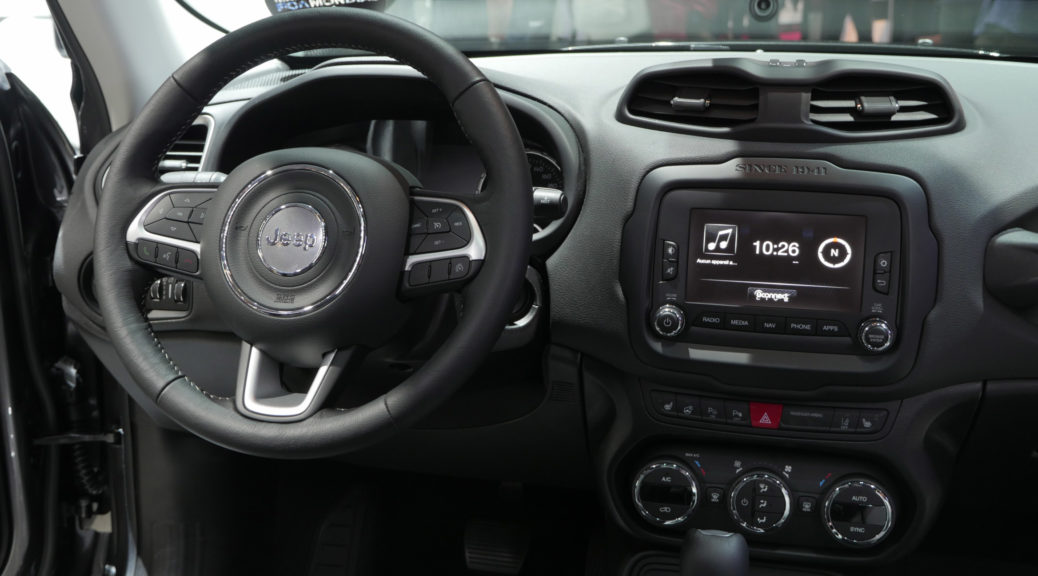 UConnect Jeep Renegade cockpit