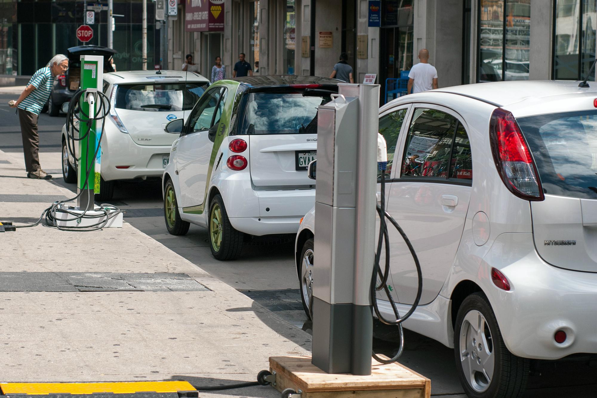 electric vehicles plug