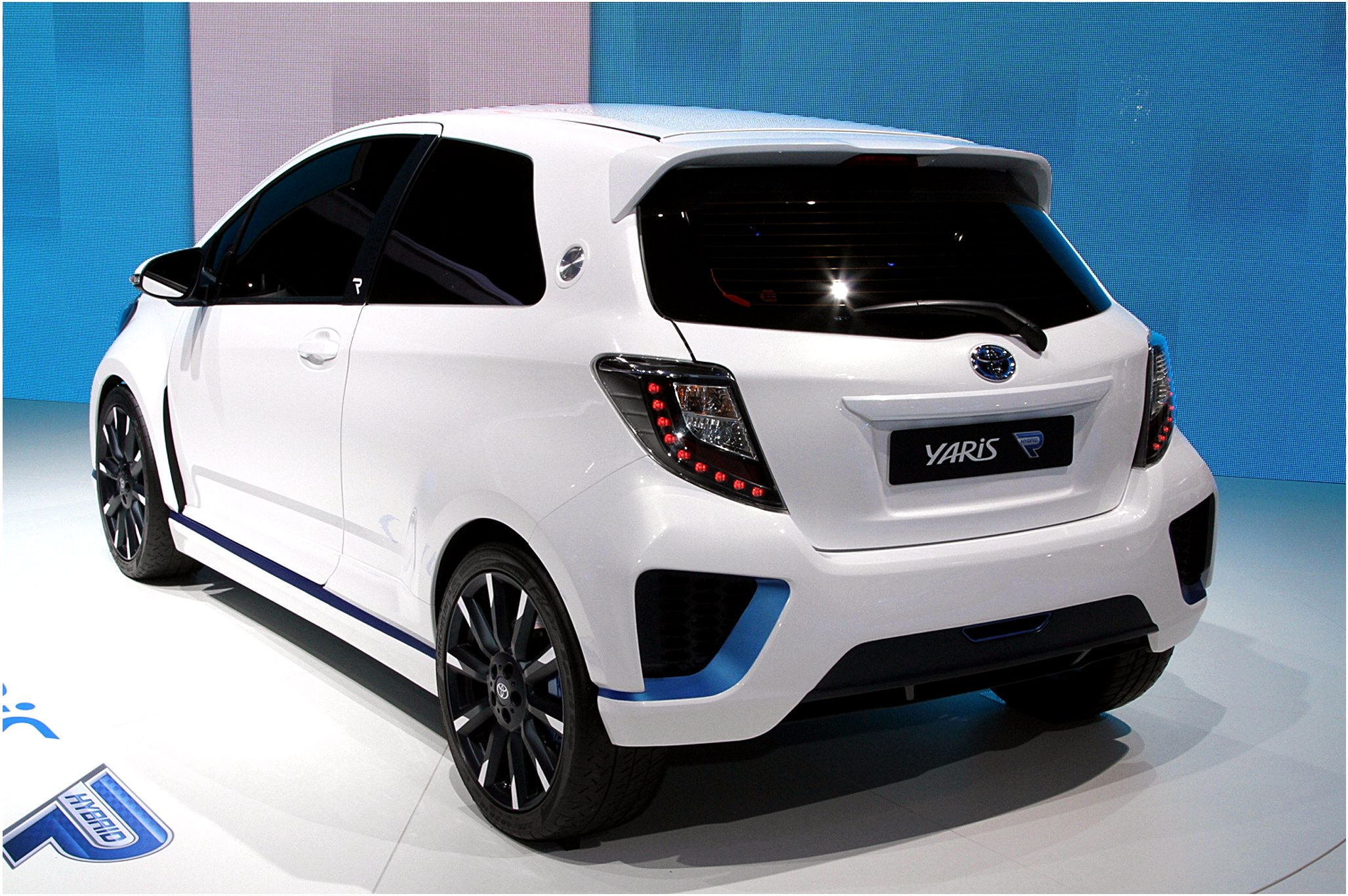 toyota yaris electric