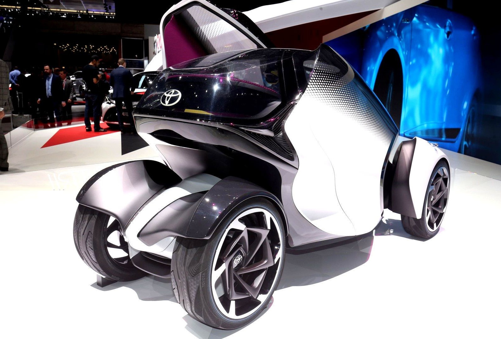 Toyota i-Tril Concept 8