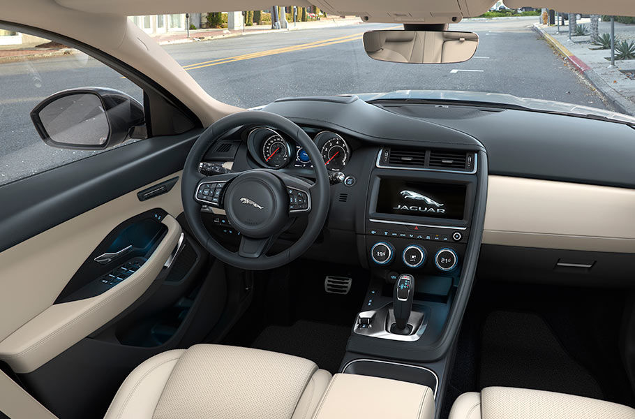 Jaguar e pace interior
