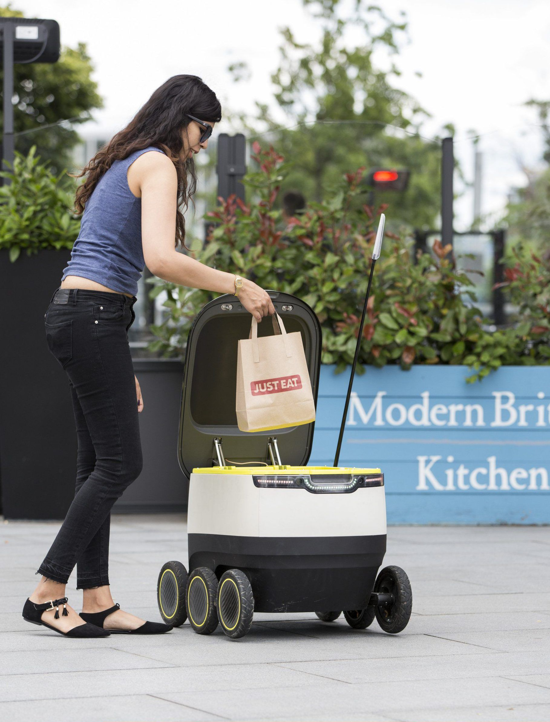 starship delivery robot london