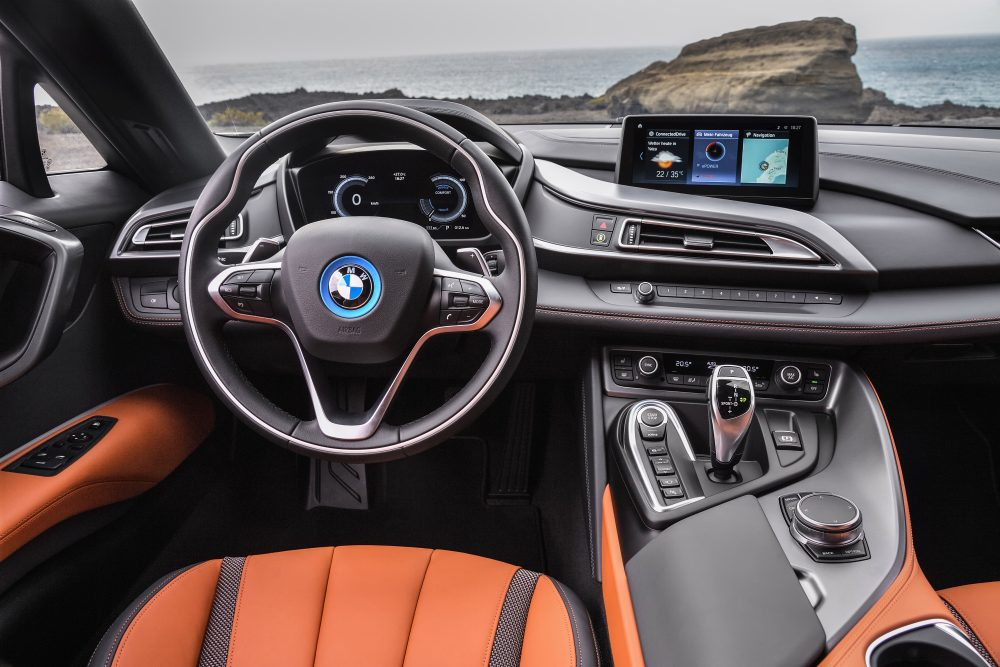 bmw i8roadster heads up display