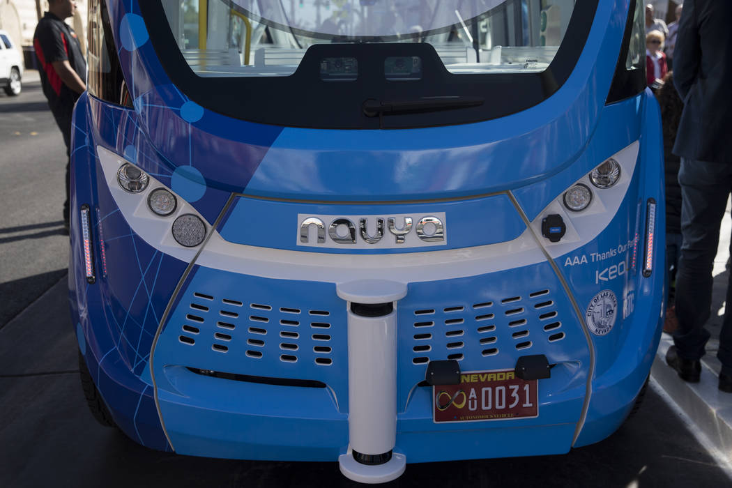 self driving shuttle navya accident 2