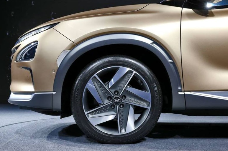 Hyundai Unnamed Fuel Cell SUV wheel