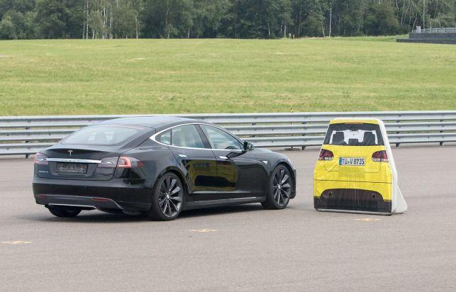 Tesla Model S auto braking test