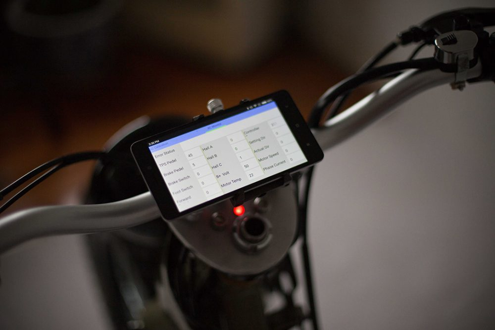 ecub scooter motorcycle phone
