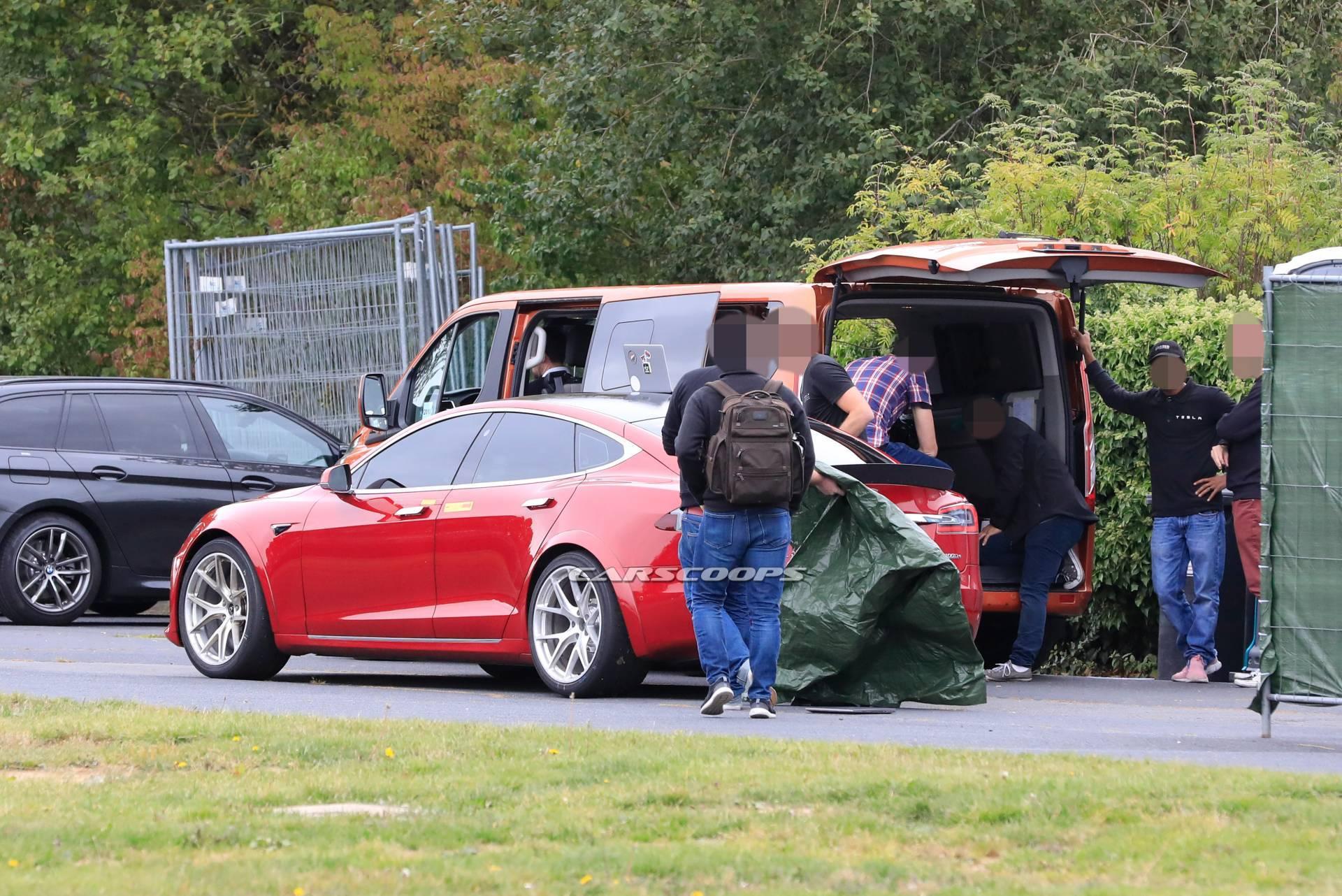 Tesla Model S Porsche Taycan Nürburgring Nordschleife