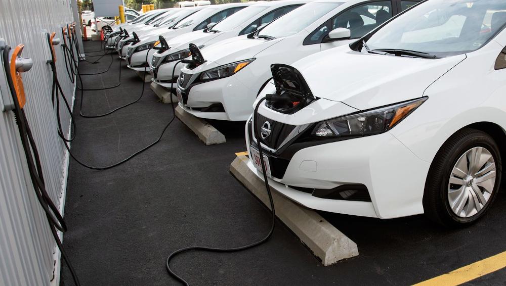 Η ρύπανση από την ηλεκτροκίνηση πολύ μικρότερη από τα οχήματα εσωτερικής καύσης