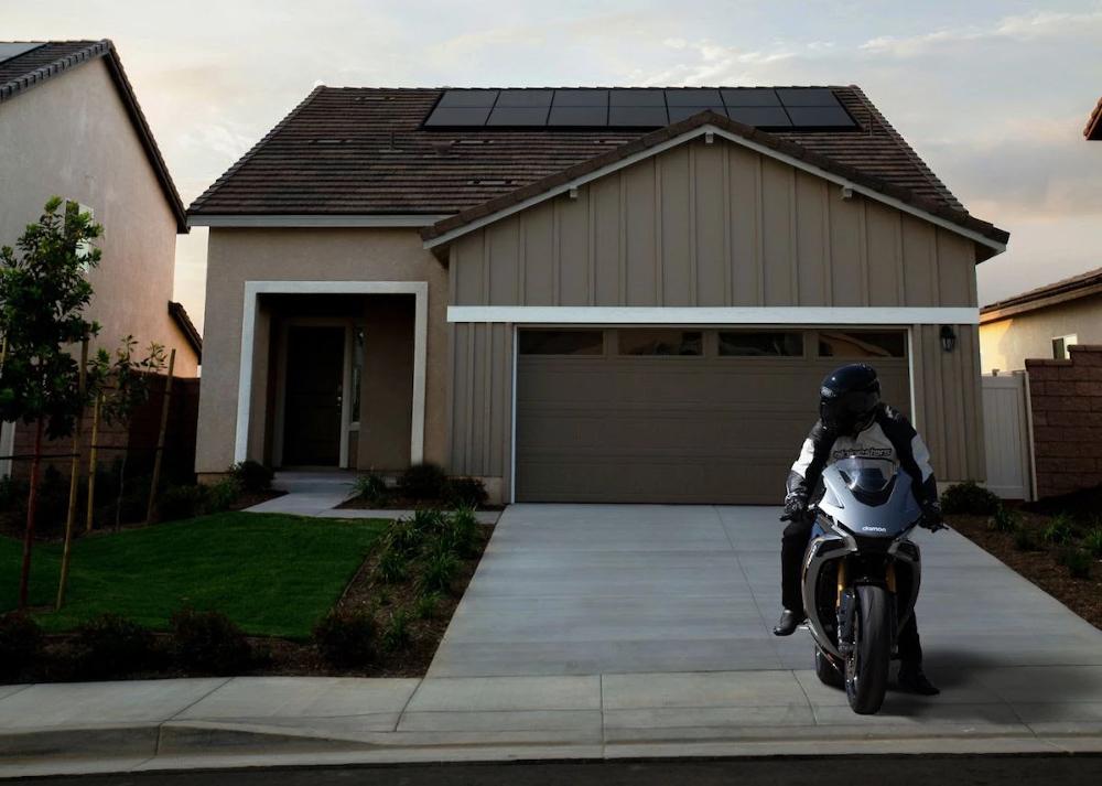 Οι ηλεκτρικές μοτοσυκλέτες Damon λειτουργούν και ως οικιακή μπαταρία