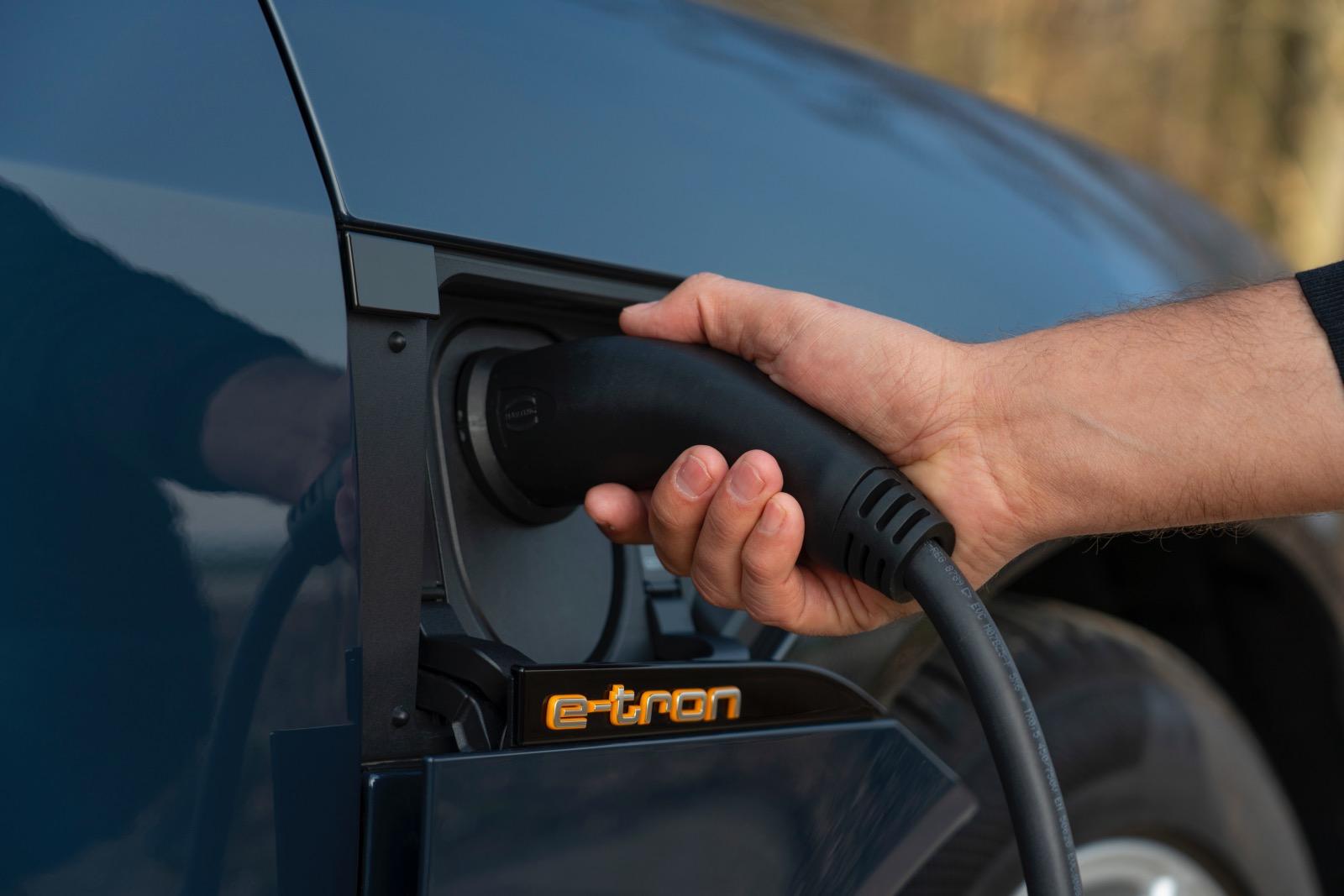 Audi e-tron Sportback / charger