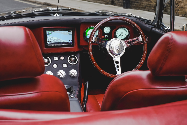 To θρυλικό MGB Roadster επιστρέφει ως ηλεκτρικό όχημα