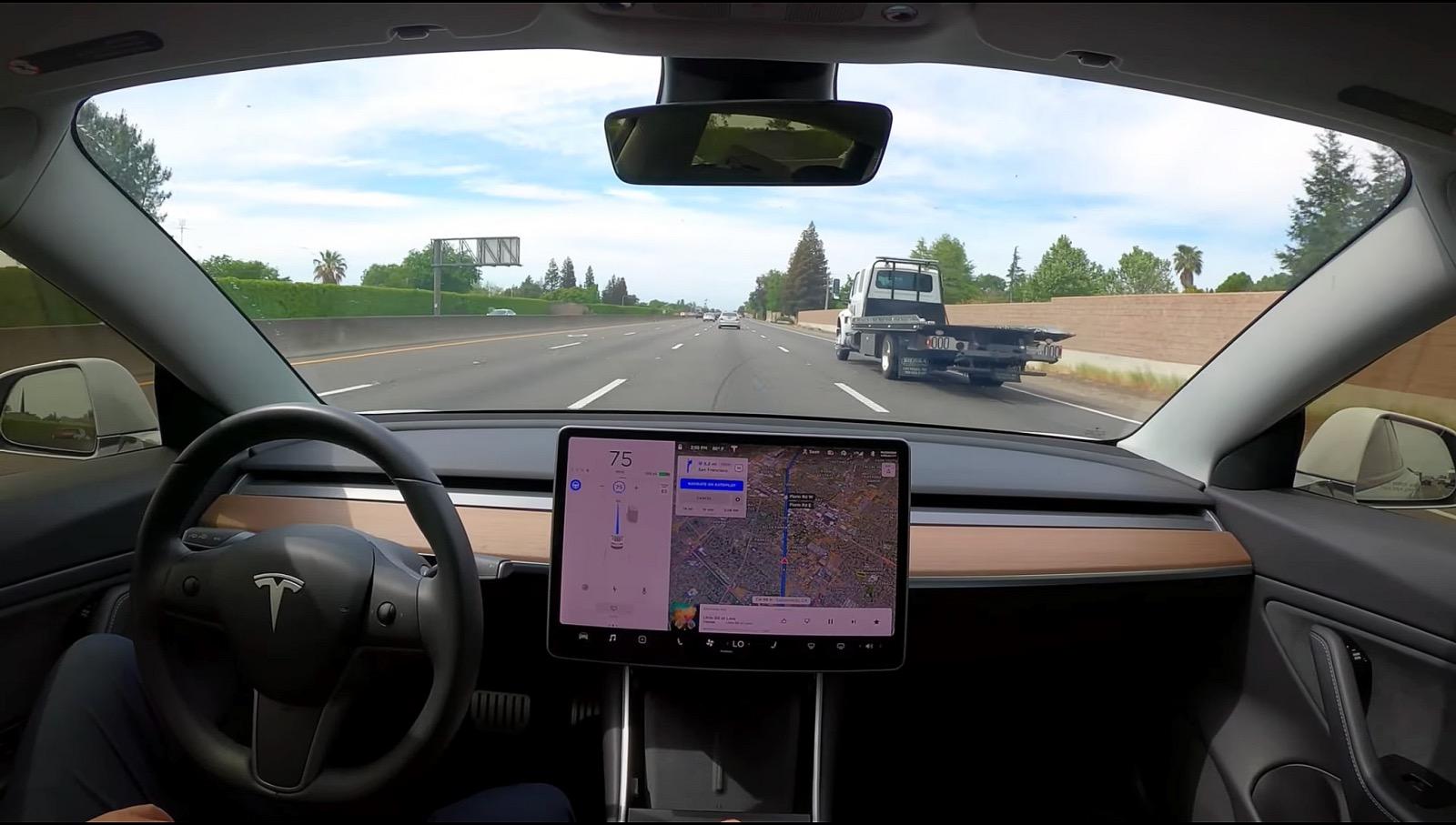 Έρχεται πλήρως αυτόνομη οδήγηση με μηνιαία συνδρομή το 2021