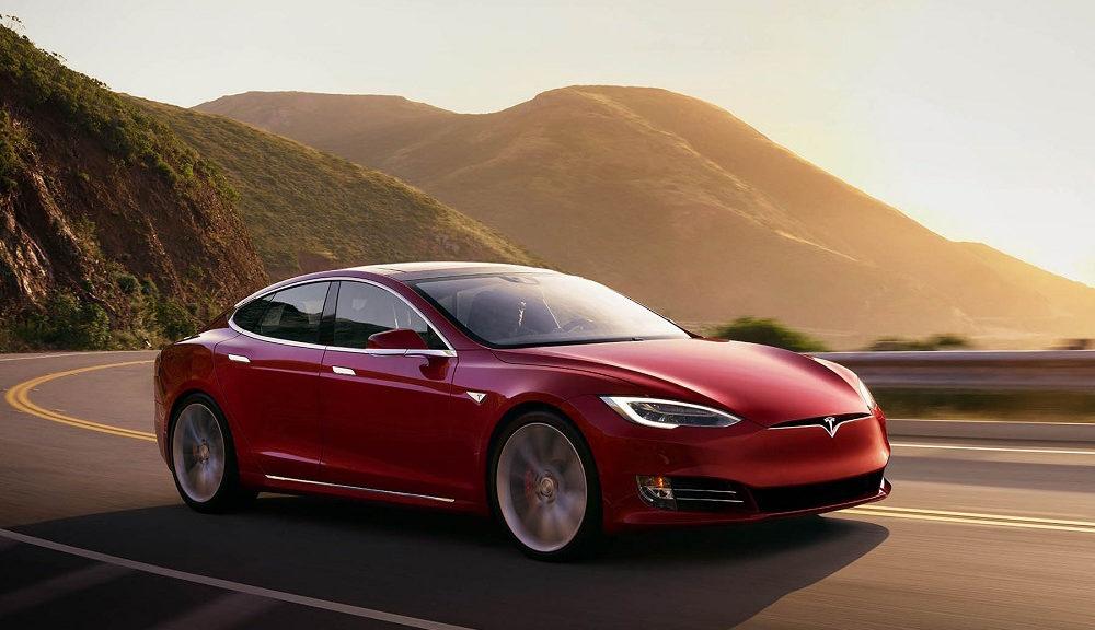 Tesla Model S: Εντοπίστηκε αναβαθμισμένο μοντέλο σε πίστα δοκιμών