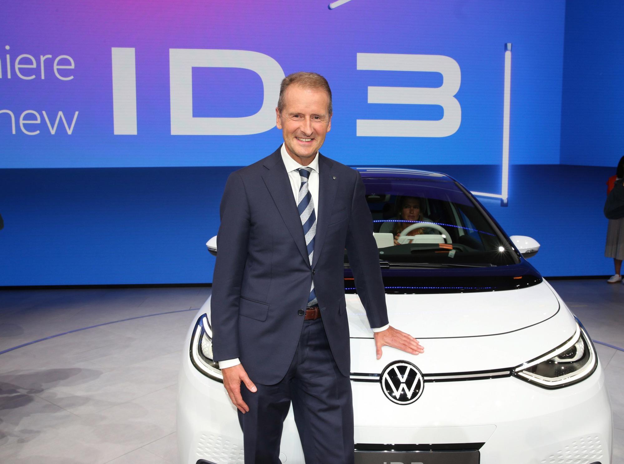 Πώς η Volkswagen θα προσπαθήσει να προσπεράσει την Tesla