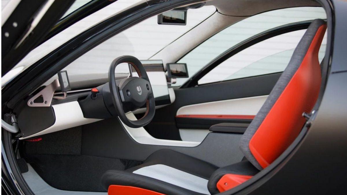 To Aptera Paradigm πηγαίνει την καθαρή αυτοκίνηση 1600 χλμ στο μέλλον!
