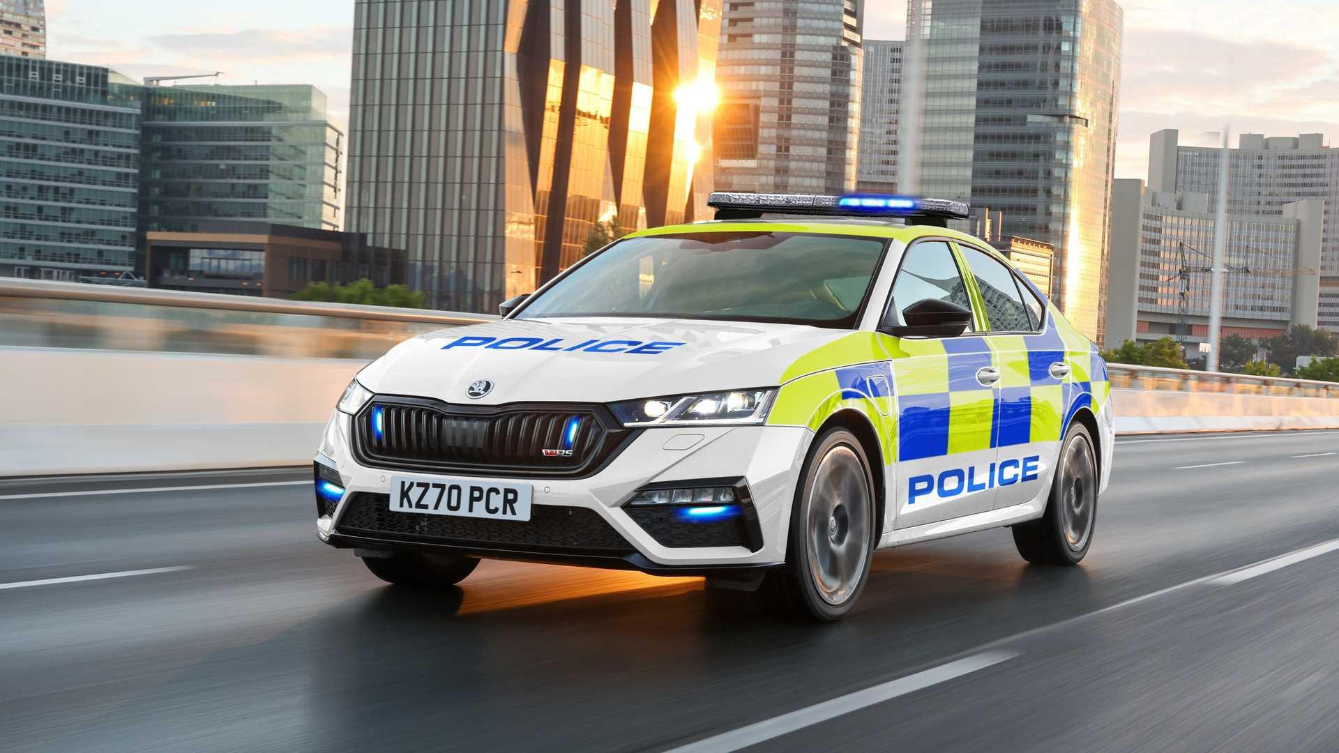 Τρία plug-in υβριδικά αυτοκίνητα για υπηρεσίες έκτακτης ανάγκης στο Ηνωμένο Βασίλειο