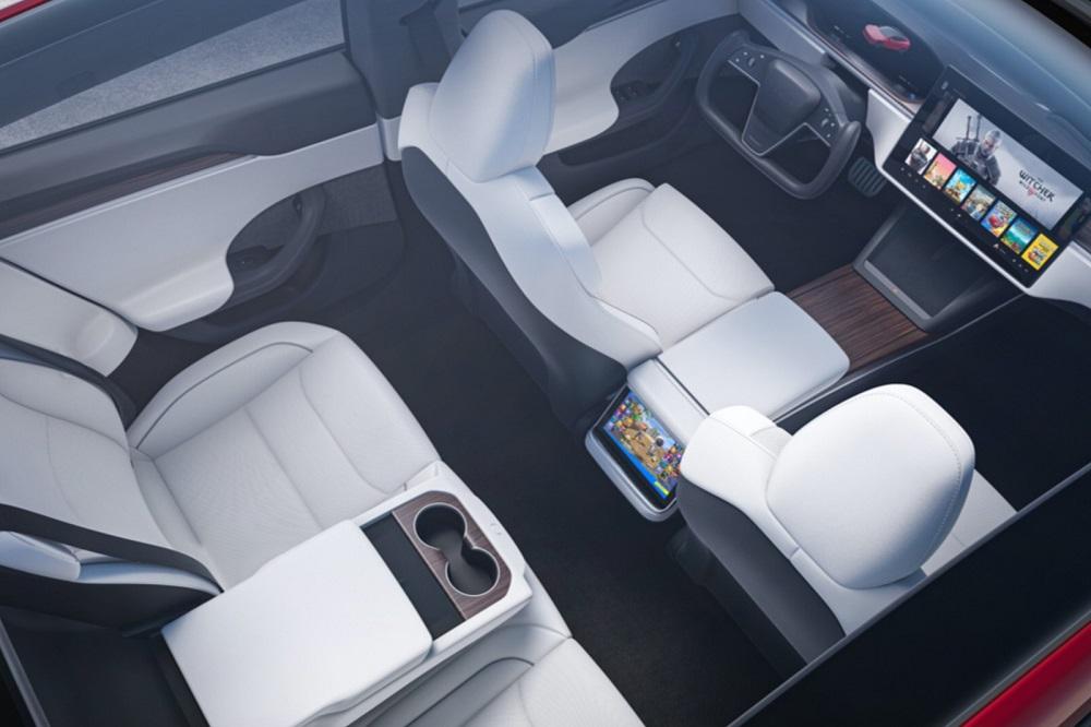 Tesla Model S: Παρουσιάστηκε επίσημα το ανασχεδιασμένο εσωτερικό του