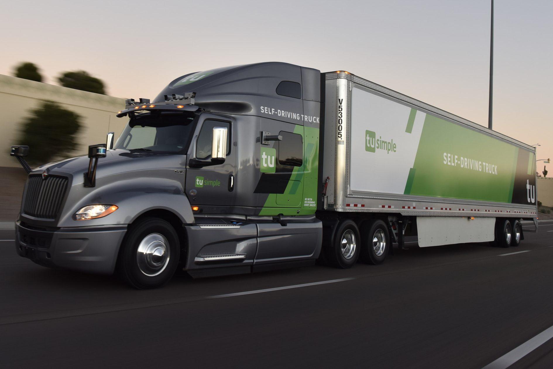 Το φορτηγό εκκίνησης χωρίς οδηγό πηγαίνει … χρηματιστήριο