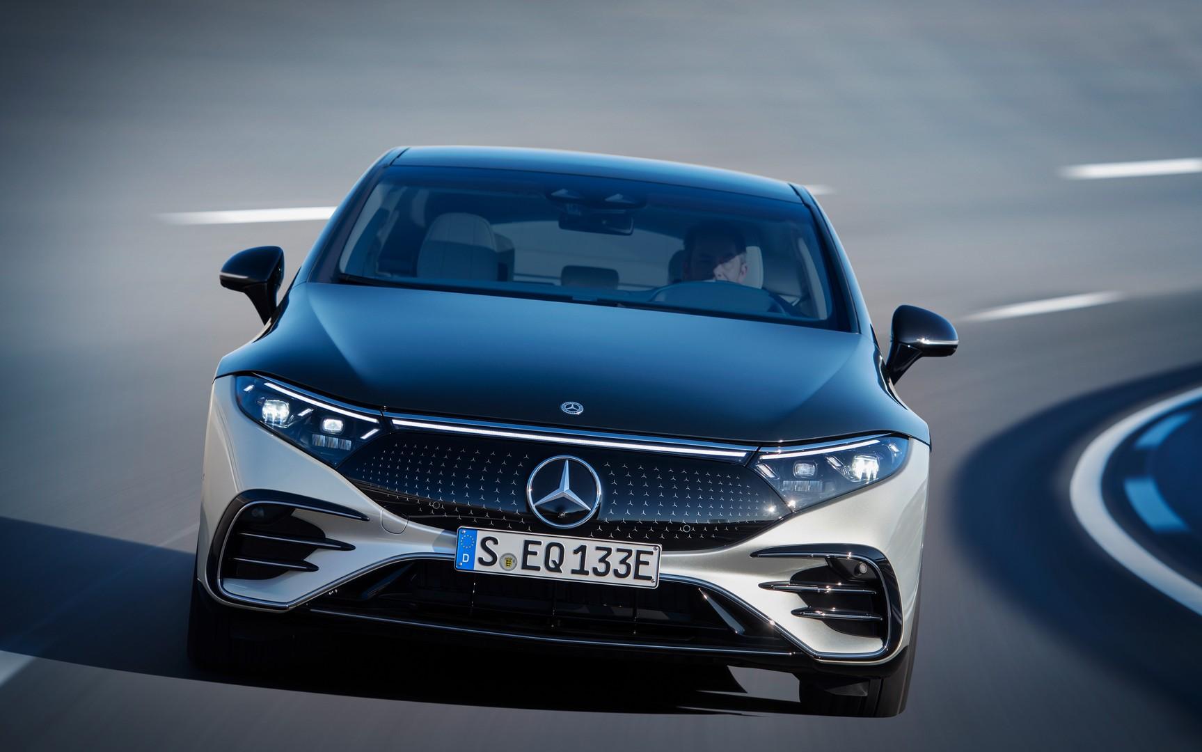 Η Mercedes EQS με το full ψηφιακό εσωτερικό είναι εδώ
