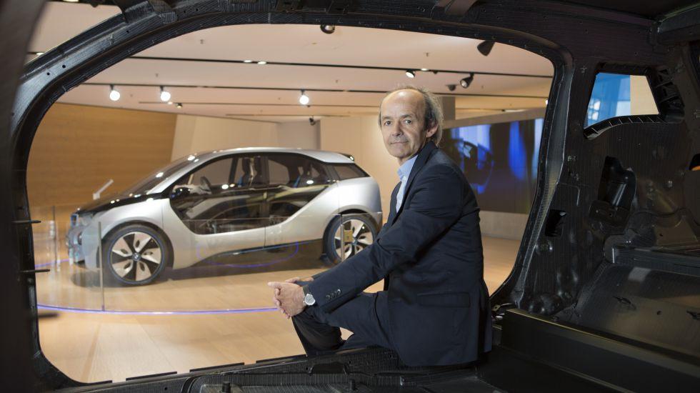 H Apple προσλαμβάνει τον δημιουργό του BMW i3 στο δυναμικό της
