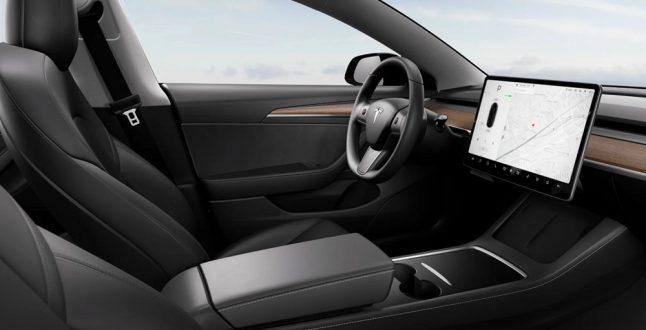Tesla Model 3 2021: Με ανανεωμένο εσωτερικό και θερμαινόμενο τιμόνι