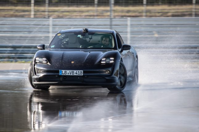 Porsche Taycan / Guinness World Record