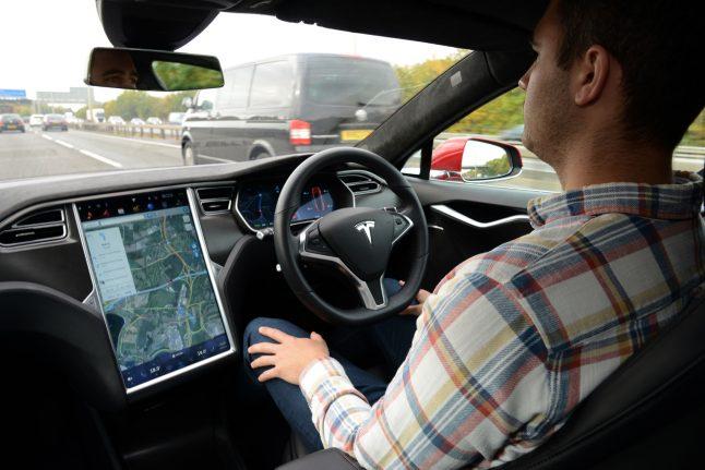 Tesla autonomous drive